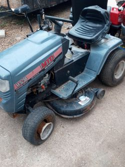 MTD Lawn Tractor for Sale in Garland,  TX