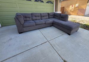 Sectional couch for Sale in Murrieta, CA
