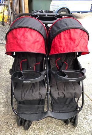 Kolcraft cloudplus double stroller for Sale in Lake Stevens, WA
