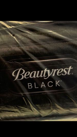 King Size Beautyrest Black. C-Class. Plush Mattress. for Sale in Miami Lakes, FL