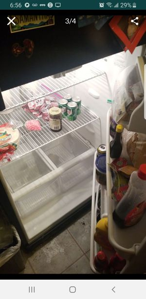 Free refrigerator for Sale in Los Angeles, CA