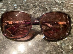 COACH Women's Sunglasses. Brown Tortoise. Pre-Owned. Fair Condition (some scratches on lense)Still some life left in them! PPU Dublin. for Sale in Dublin, OH