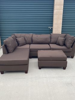 Brand New!!! POUNDEX BOBKONA DERVON REVERSIBLE SECTIONAL SOFA COUCH + OTTOMAN for Sale in Long Beach,  CA