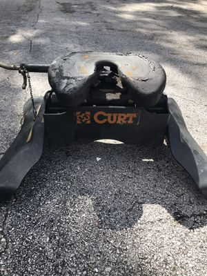 Curt 5th wheel hitch for trailers and car hauling for Sale in Altamonte Springs, FL