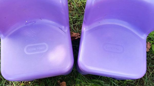 2 purple little tikes chairs