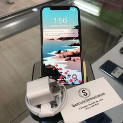 Factory unlocked iPhone x 256gb, excellent conditions store warranty for Sale in Boston,  MA