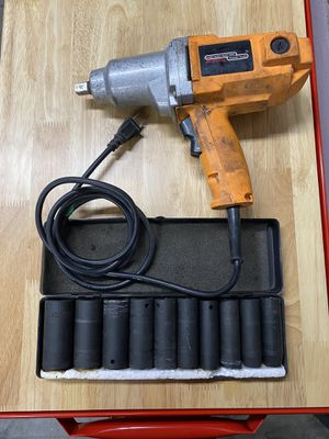 Impact Wrench Gun/ Impact Socket Set for Sale in Imperial, CA
