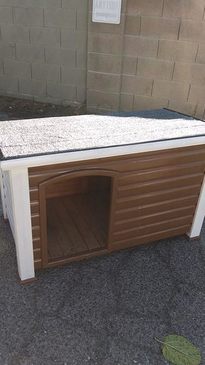 DOGHOUSE $ 60 for Sale in Fresno, CA