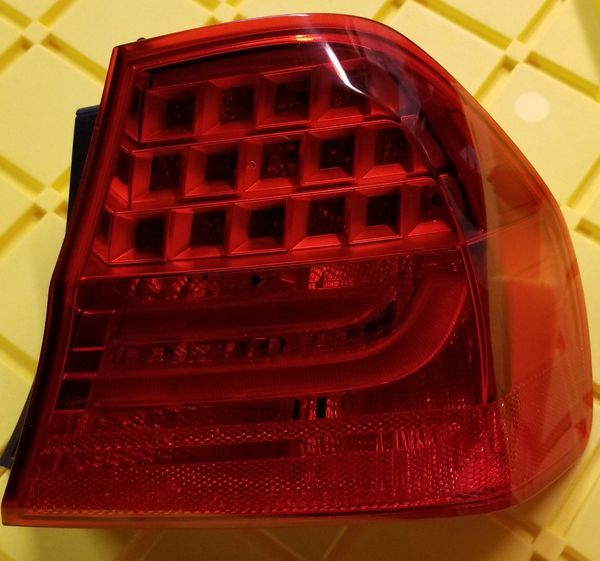 10-13 BMW rear passenger tail light(outer)
