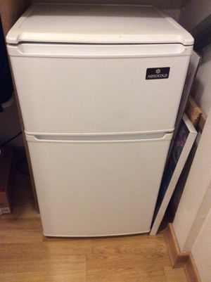 Small fridge for Sale in Anchorage, AK