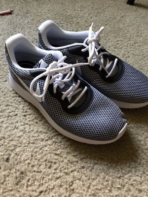 New nike shoes size 10 for Sale in Gaithersburg, MD
