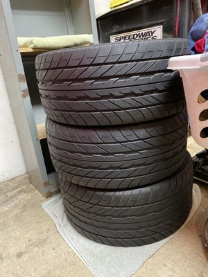 Corvette staggered tires for Sale in Parlier, CA