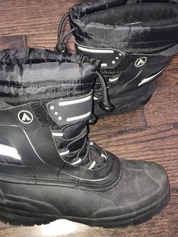 Men's Air walk winter Snow boots Size 8 Exc condition for Sale in Perkasie,  PA