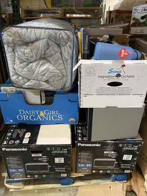 Pallet of small appliances and kitchen items for Sale in Kent, WA