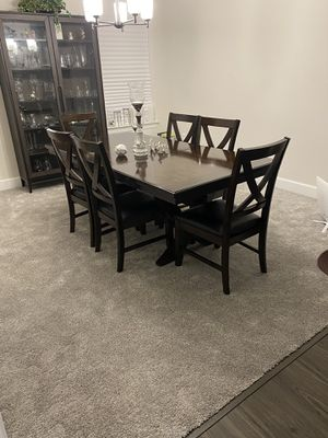 Dining Room Table with 6 chairs for Sale in Bennsville, MD
