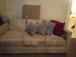 Gently used sofa and loveseat for Sale in Erie, PA