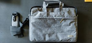 "13"" notebook carrying bag! for Sale in Los Angeles, CA"
