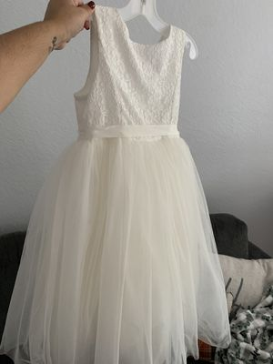 Flower girl wedding dress size 8 for Sale in Miami, FL
