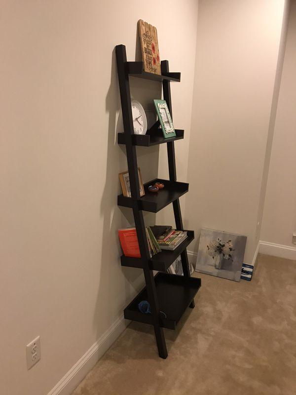 Leaning book shelf. 6ft x 2 ft. Like new. $40