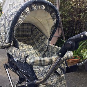 Carriage /convertible stroller for Sale in GARDEN CITY P, NY