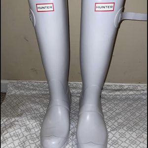 Ladies size 9 tall white Hunter boots worn once for Sale in Warminster, PA