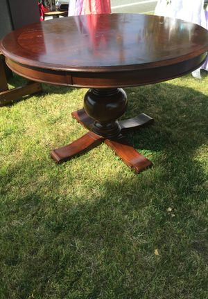Wooden Round Table for Sale in Manson, WA