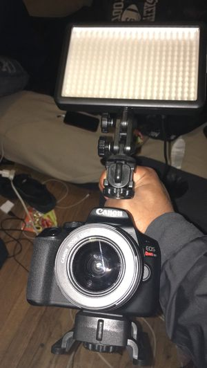 Camera stabilizer & led video light ( canon camera not included) for Sale in Grosse Pointe Park, MI