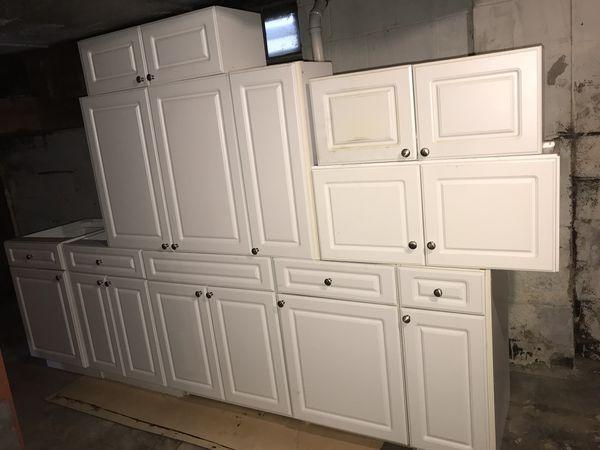 Merillat white kitchen cabinet set (12pieces ) with pantry ...