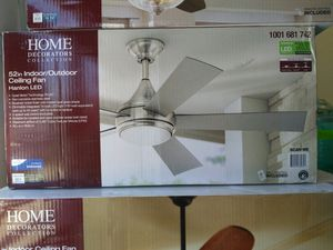 Home decorators collection Indoor/outdoor ceiling fan halon led for Sale in Los Angeles, CA