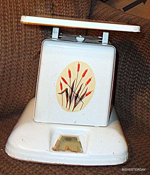 Art deco cattails cattail cat tail antique metal kitchen pantry food scale for Sale in Saginaw, MI