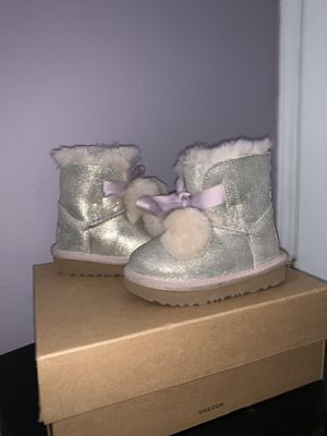 Uggs boots for Sale in Brooklyn, NY
