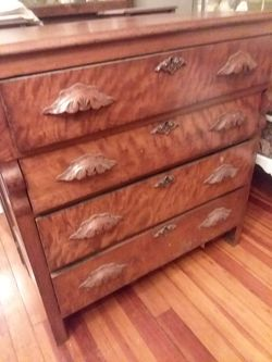 Dresser for Sale in Davenport,  IA