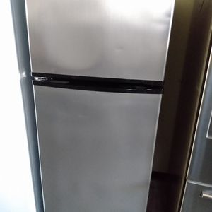 Whirlpool Refrigerator 28 Inch - We Deliver! for Sale in Long Beach, CA