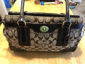 COACH Hamptons Signature Medium Carryall #11062 Brown ~ GREAT CONDITION! for Sale in Warrenton, VA