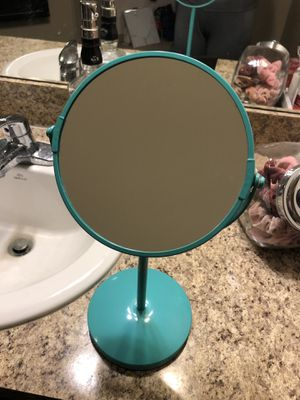 Magnifying vanity makeup mirror for Sale in Oviedo, FL