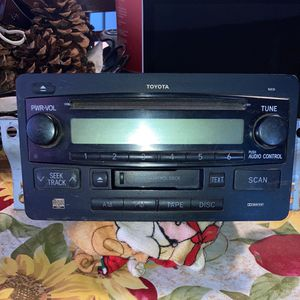 Toyota Truck Stereo for Sale in Bakersfield, CA