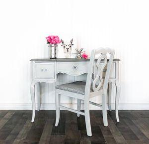 Vanity & Vintage Chair for Sale in Troy, MI