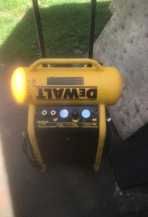 Dewalt 4.5 gallon air compressor for Sale in Fairfax, VA