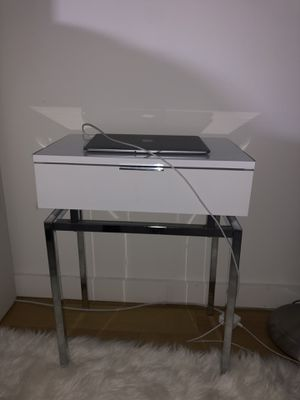 End table for Sale in New York, NY