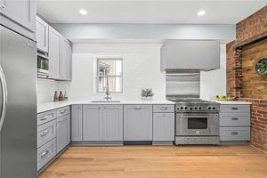 Kitchen cabinets and vanity Quartz and granite countertop for Sale in Federal Way, WA