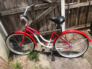 Cruiser classic beach cruiser bike in excellent conditions! for Sale in Fort Lauderdale, FL