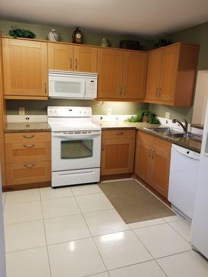 White refrigerator, stove, dishwasher, microwave for Sale in Bradenton, FL