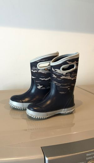 Bogus pull-on snow boots size kids 13 for Sale in Vista, CA