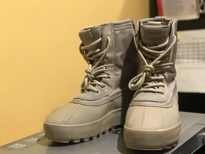Yezzy Boots sz 40 men's (7) for Sale in Washington, DC