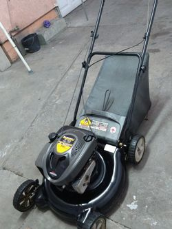 Yard machines lawnmower for Sale in South Gate,  CA