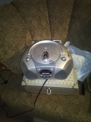 Am/fm CD player for Sale in Fort Dodge, IA