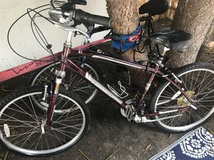 Diamond Back beach cruiser and GIANT mountain bike $35 each for Sale in Los Angeles, CA