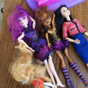 Girls Barbie Doll Toy And Accessory House for Sale in Anaheim, CA
