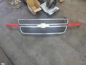 06 Chevy Silverado HD 2500 Grill, $60, Lots more parts available. for Sale in Las Vegas, NV