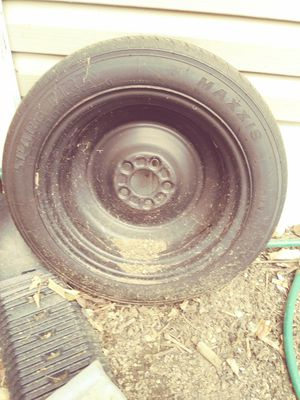 Maxxis T125 /80R16 for Sale in Reynoldsburg, OH